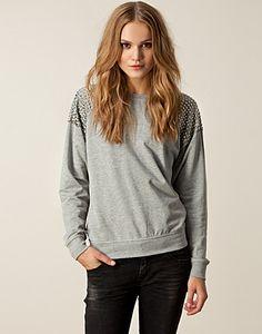 Studded Sweater <3