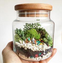 Tiny terrarium 🌿🌿www.instagram.com/biseylertasarim