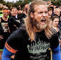 Onde nos alistamos? Viking Men, Viking Beard, Norwegian Men, Hair And Beard Styles, Long Hair Styles, Long Hair Beard, Long Blond, Awesome Beards, Beards