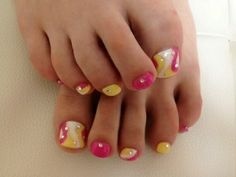 Pretty Pedicure Nail Art Ideas for 2012 - Those fabulous sandals that you've been waiting to flaunt for everyone to see require an equally stylish pedicure as perfectly polished nails have become a requirement for true fashionistas, so take a peek at the following pedicure nail art ideas and draw inspiration for your next pedi session!