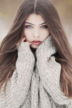 Jade (irma do Iago) Cute Girl Poses, Digital Art Girl, Warrior Girl, Portrait Poses, Photo Instagram, Beautiful Gorgeous, Girl Face, Stylish Girl, Girl Photography
