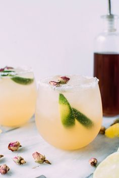 Kombucha rose and fresh citrus margaritas! Can a margarita be both delicious AND good for you? I think these prove that yes, they totally can.
