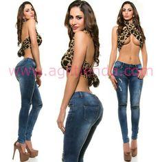 #Sexys #pantalones #vaqueros #diseño #gastado y #rasgado en la rodilla con llamativos #brillantes #estampados en su #estilo #clasico #chic #casual y con #tendencia que nos hará ver #fabulosas en todas las epocas del año y podremos #complementar con todo el #armario . Encuentralo en http://www.agiltienda.com/es/home/2426-vaqueros-gastados-mujer.html #online #shop #taradell ENVIOGRATIS @agiltienda.es