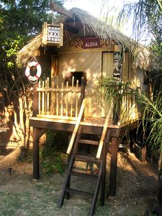 To celebrate the one-year anniversary of the adoption of her young daughter RMSer sulkygirl designed this amazing tiki-hut playhouse. The playspace 'combined her style our style and our backyard' she says. 'It was inspire Outdoor Rooms, Outdoor Fun, Outdoor Living, Outdoor Decor, Tiki Hut, Cubby Houses, Play Houses, Backyard Play, Backyard Landscaping