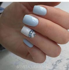 """Maybe not this intense with the jewels for you Naomi, but I think the accent nail with a row of smaller """"jewels"""" would look goo… Gem Nails, Shellac Nails, Blue Nails, Stiletto Nails, Acrylic Nails, Hard Nails, Thin Nails, Peeling Nails, Gel Nagel Design"""