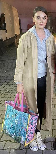 Esra Bilgic, Turkish Beauty, Turkish Actors, Dream Dress, Ali, Photos, Turkey, Wallpapers, House