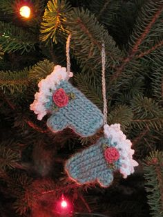 Mr. Micawber's Recipe for Happiness: Making Winter: Tiny Mitten Ornaments ~ A Knit Patt...