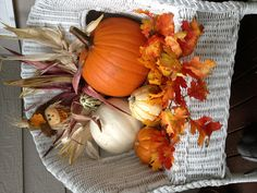 ✓ 75 Farmhouse Fall Porch Decorating Ideas - Page 39 of 75 - Fajrina Decor Autumn Decorating, Pumpkin Decorating, Porch Decorating, Decorating Ideas, Fall Decorating Outside, Decoration Entree, Decoration Bedroom, Decoration Christmas, Christmas Door