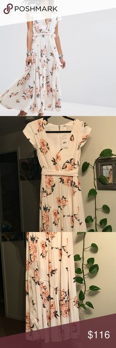 Free People All I Got maxi dress size 0 NWT Free People maxi. Size 0 This is my faaaaaaavorite but doesn't fit me. I need a 2.. The material is amazing! Thanks for looking!-J Free People Dresses Maxi