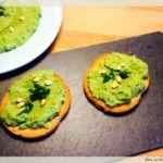 humus cu leurda Guacamole, Mexican, Ethnic Recipes, Food, Essen, Meals, Yemek, Mexicans, Eten