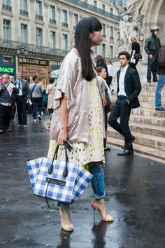 Susie Lau. Paris Fashion Week street style. Photo: Imaxtree.