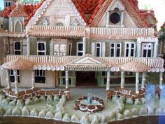 Gorgeous!  Lake front property gingerbread!
