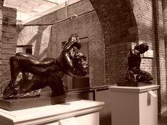Centro de Sâo Paulo: Escultura Bacanal, de Auguste Rodin. Pinacoteca do Estado. Fotografia de Mônica Yamagawa