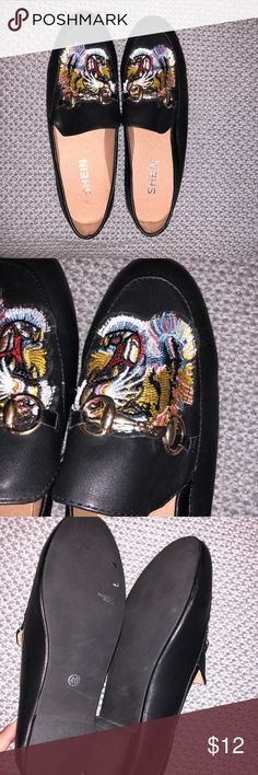 SHEIN trendy tiger loafers - Size: 9 Worn Once⭐️ Perfect Condition⭐️ Trendy⭐️ NOTE: (shoe says size euro 40 but it fits like euro 39) SHEIN Shoes Flats & Loafers
