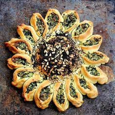 Fabulous for your entertaining needs. Spinach Artichoke dip is surrounded by soft, fluffy bread for a tear and share favorite! Onion Bread, Herb Bread, Bread Oven, Bread Baking, Bread Art, Yeast Bread, Tear And Share Bread, British Baking Show Recipes, Bread Twists