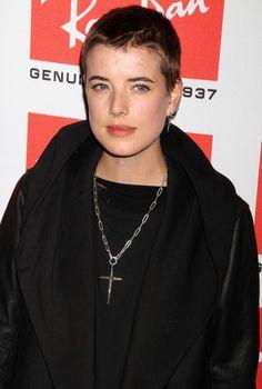 Image from http://www.aaa-fashion.com/wp-content/uploads/2011/02/Agyness-Deyn-Buzzcut.jpg.