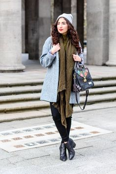 Zara Khaki Scarf Grey Oversize Coat Oasis Frühlingsmantel Streetstyle Casual Fashionblogger Blog Samieze grüner Schal bla