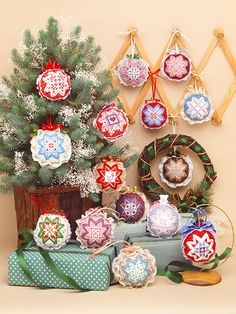 28 ornament designs using counted cross stitch and a pin & fold, n-sewing technique. Quilted Christmas Ornaments, Fabric Ornaments, Ornaments Design, Christmas Decor, Christmas Ideas, Easy Cross, Simple Cross Stitch, Counted Cross Stitch Patterns, Cross Stitches