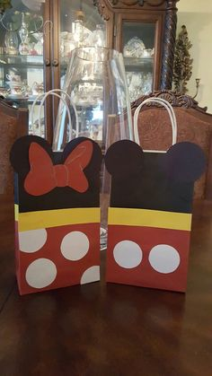 Mickey and Minnie kids birthday goody bags! Mickey and Minnie party decor Mickey. - My WordPress Website Minnie Mouse Party Decorations, Minnie Mouse Theme Party, Minnie Mouse Birthday Invitations, Mickey Party, Mickey Mouse Birthday, Birthday Party Goodie Bags, Twin Birthday Parties, 3rd Birthday, Goody Bags