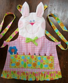 Gift Ideas: Easy Spring and Easter Holiday Crafts collection and other holiday handcrafted Easter projects and gifts ideas. Easter Projects, Easter Crafts, Holiday Crafts, Easter Gift, Easter Bunny, Sewing For Kids, Diy For Kids, Childrens Aprons, Baby Dress Design
