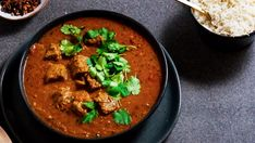 Check out this recipe! Spicy Dishes, Curry Dishes, Spicy Recipes, Healthy Recipes, Easy Recipes, Healthy Food, Lamb Vindaloo, Indian Butter Chicken, Recipe Ratings