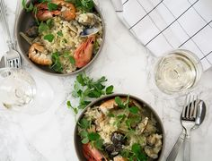 Skaldyrsrisotto med muslinger - Lækker sommer opskrift New Flavour, Risotto, Curry, Good Food, Healthy Recipes, Dishes, Chicken, Cooking, Ethnic Recipes