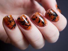 Spooky and Creative DIY Halloween Nail Art Ideas --> Spooky Splatter Nails Nail Art 2014, Nail Art Blog, Nail Art Diy, Diy Nails, Cute Nails, Trendy Nails, Cute Halloween Nails, Halloween Nail Designs, Costume Halloween