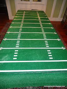Football Field Table Cover   Great idea for a football party!!!  Call Turf etc. for the synthetic turf for Super Bowl Table 816-886-2747.