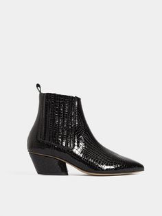 Chelsea Boots, Vogue, Ankle, Shoes, Fashion, Moda, Zapatos, Wall Plug, Shoes Outlet