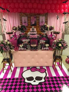 Louca por Festas: Tema: Monster High! Festa Monster High, Monster High Birthday, Monster High Party, Spa Birthday Parties, 5th Birthday, Kid Parties, Monster High Halloween, Halloween Party, Draculaura