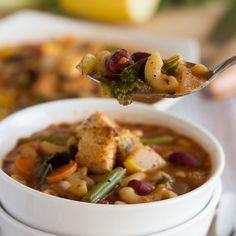 (via Easy One-Pot Minestrone Soup (Vegan))   #healthy #vegetarian #vegan #recipes Find more healthy recipes @ http://standouthealth.com