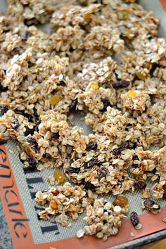 A basic granola recipe with a short ingredients list. This granola is the perfect balance sweet and salty; chewy and crispy. Oats, brown sugar, honey and coconut oil are studded with plump raisins for Thm Recipes, Snack Recipes, Clean Eating Snacks, Healthy Snacks, Seed Crackers Recipe, Keto Granola, Healthy Food Alternatives, Snacks To Make, Sweet And Salty