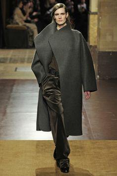 Hermès RTW Fall 2014 - Slideshow - Runway, Fashion Week, Fashion Shows, Reviews and Fashion Images - WWD.com