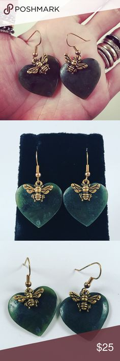 Women heart jade & gold color bees dangly earrings Women dangly earrings. Handmade by me . never worn by anyone. Made with dark green jade hearts and gold color bees charms . I ship fast!!✈️Bundle and save !! ( 10 % off bundles) . Any questions let me know ! No transactions outside Poshmark!! Jewelry Earrings