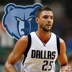 Chandler Parsons agrees to a 4-year maximum contract with the Memphis Grizzlies worth a projected $94.8 million. (via Tim MacMahon) 7/1/2016