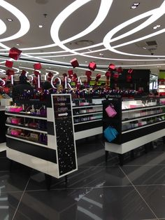 Step into the Beauty Lounge at Sephora | Retail, Sephora and ...
