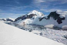 Geology of Antarctica | Glaciers and rock outcrops in Marie Byrd Land seen from NASA's DC-8 aircraft