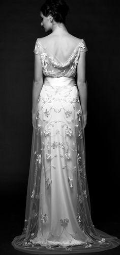 Abito da sposa elegantissima e romantico di Sarah Janks. Gorgeous, light and elegant wedding dress