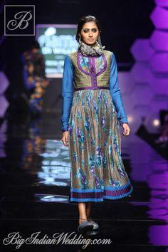 Payal Pratap Wills Lifestyle India Fashion Week 2013 - Cocktail Wear - Bigindianwedding High End Fashion, Big Fashion, Asian Fashion, Fashion Show, Cocktail Wear, Cocktail Gowns, Wills Lifestyle, India Fashion Week, Indian Couture