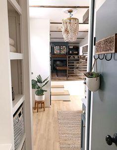 Tyni House, Tiny House Living, Rv Living, Rv Redo, Rv Homes, Rv Interior, Camper Renovation, Remodeled Campers, Tiny Spaces