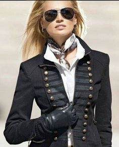 Great military crossed with or older era style Ralph Lauren, Military inspired jacket. Fashion Mode, Look Fashion, Winter Fashion, Womens Fashion, Fashion Trends, Mode Style, Style Me, Classic Style, Mode Ab 50