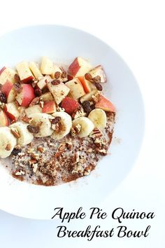 This Apple Pie Quinoa Breakfast Bowl is warm and delicious! Cinnamon and apples with warm almond milk over quinoa is just like apple pie! Vegan and gluten free! /TwoRaspberries.com