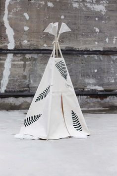 Teepee with natural farn print