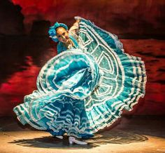 Mexican Costume, Mexican Party, Mexican Style, Folklorico Dresses, Ballet Folklorico, Carnival Dancers, Traditional Mexican Dress, Costumes Around The World, Coat Of Many Colors