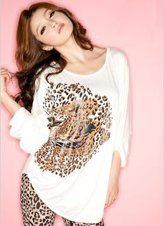 Leopard grain bats sleeve t sleeve short sleeve White Chiffon Blouse, Chiffon Blouses, Bat Sleeve, Girls Blouse, T Shirt And Shorts, Asian Style, Fashion Outfits, Womens Fashion, Sequin Skirt