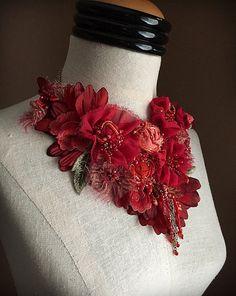 JEAN MARIE rouge mixte Textile déclaration Bib par carlafoxdesign
