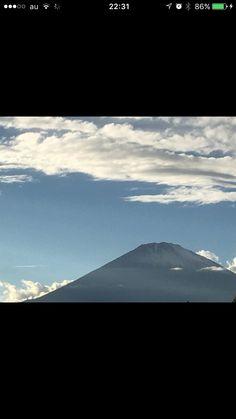 富士の高嶺に降る雪も 京都先斗町に降る雪も 雪に変わりは無しじゃなし とけて流れりゃ皆同じ