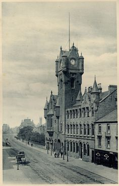 Rutherglen Town Hall and Rutherglen Main Street.