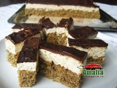 Prajitura-felii-de-nuca0 Mousse, Cake Recipes, Dessert Recipes, Graham, Romanian Food, Food Cakes, Tiramisu, Kefir, Deserts