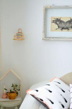 painted cushion - Projektila blog